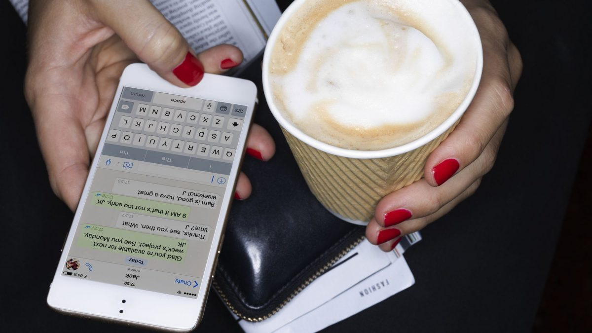 How to Hack Text Messages on Android and iPhone Free